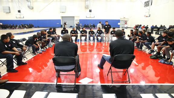 The LA Clippers Mentorship Assist Zone Program - 01/06/16