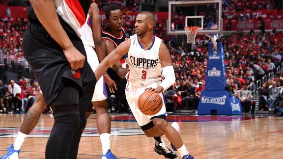 Chris Paul Scores 25 Points in Win Over Blazers