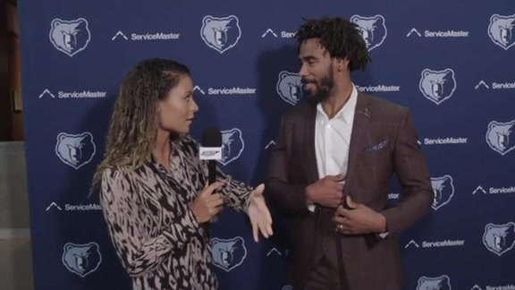 Alexis All-Access: Tip-Off Luncheon fashion