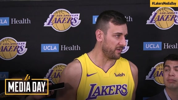 2017 Media Day: Andrew Bogut