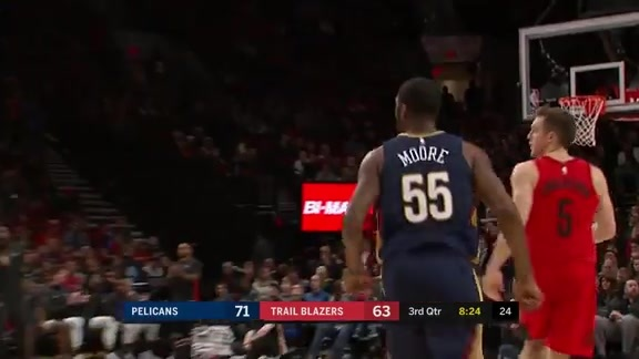 E'Twaun Moore with 19 points and 4-4 from 3