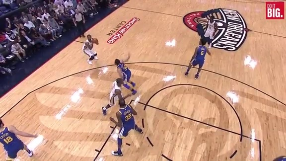 Darius Miller with the And-1 from downtown