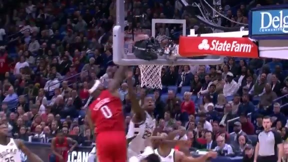 Must See: DeMarcus Cousins hammers it home on the run
