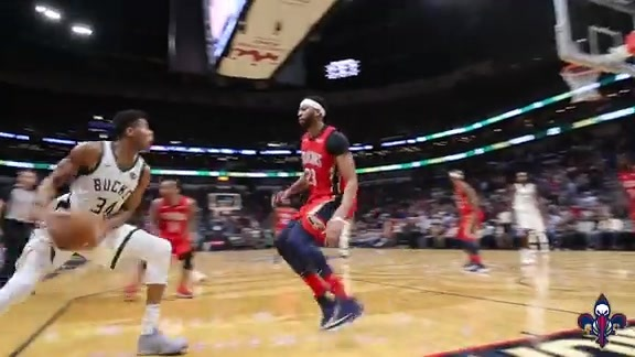 Pelicans v. Bucks: RAW video from the court  12-13-17