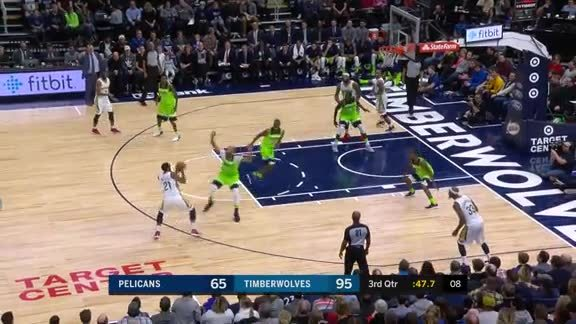 Easy ball movement results in easy bucket
