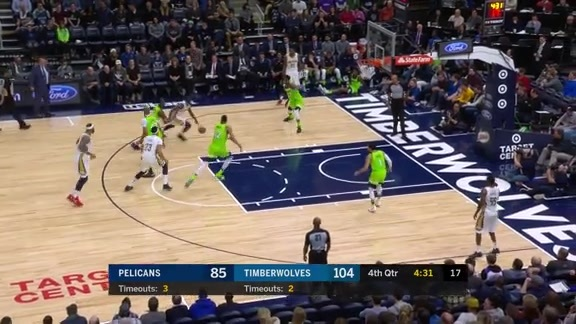 Jrue Holiday finishes in traffic