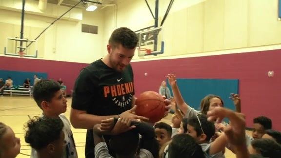Jr. NBA Week with Suns Alec Peters