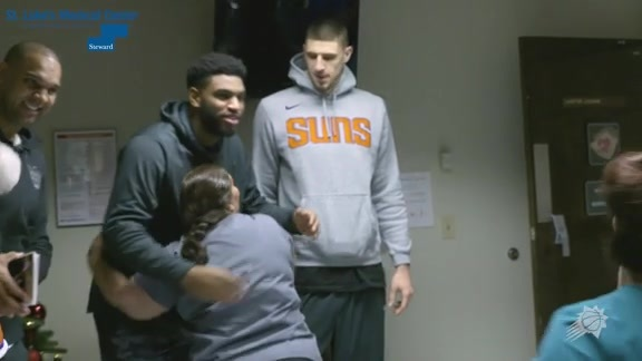 The Phoenix Suns Visit St. Luke's Hospital