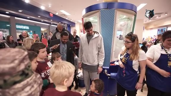 Mall Of America Takeover Results In Plenty Of Smiles