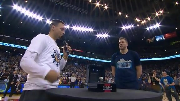 David Lee Receives His Championship Ring