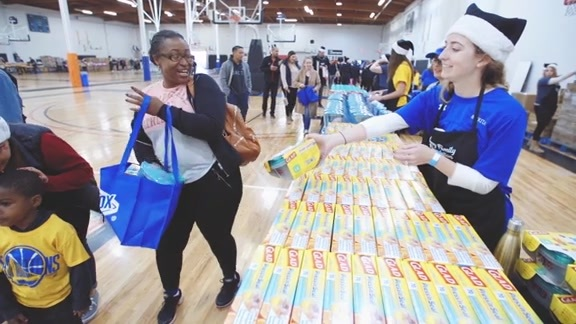 Curry Family Food Drive presented by Clorox