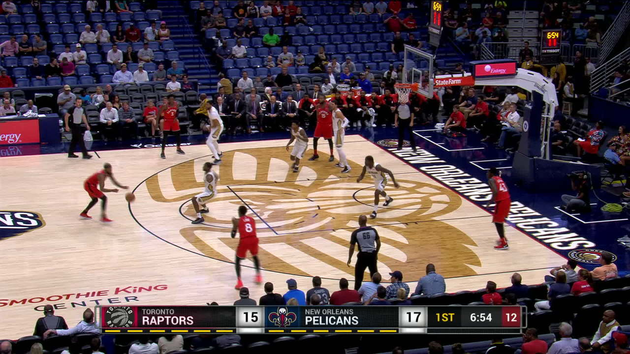 Holiday Feeds To Davis For The Slam