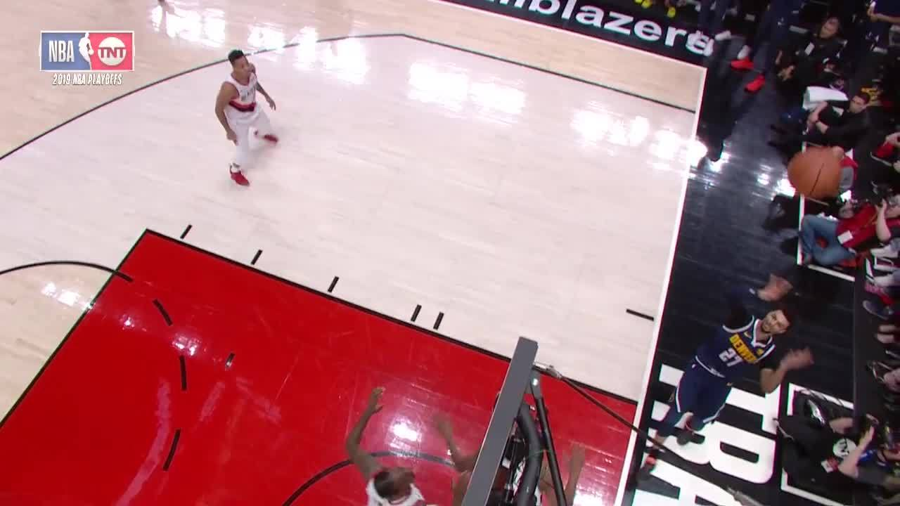 Murray Over the Backboard at Trail Blazers Game 4